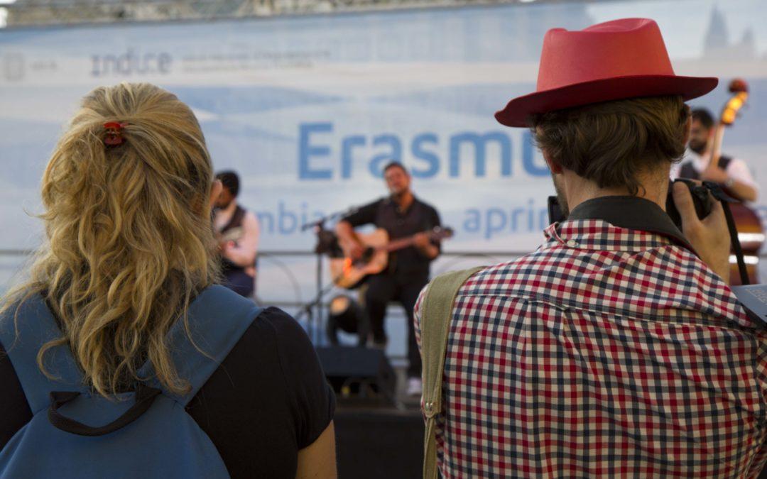 Tutti i momenti di performance sul palco Erasmus+
